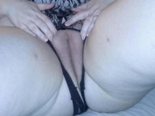 Yummy swollen pussy lips