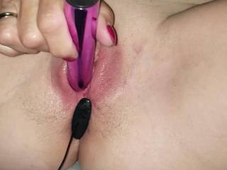 my wife heating up her juicy shaven spread open labia pussy for your fantasy