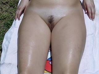 Nothing better than a beautiful woman naked in the sunshine.... now yo just open up those legs a little xxx