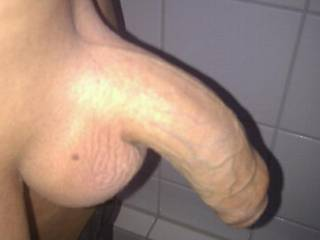 mhhhhh, nice shaved cock and balls !!!