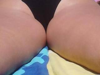 Wifes hot ass - tell her what you think shes a bit shy atm