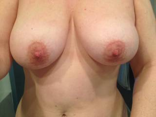 Mrs Seeker in all her glory!! Big Titties clean from the shower:) Wanna get them dirty?