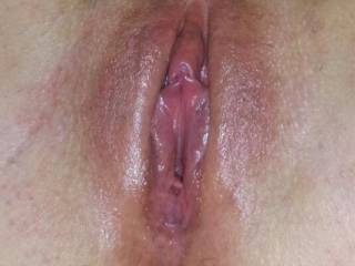 Wow nice pussy. You look like a girl that loves oral and would love to get you off sucking that wonderful looking pussy for as long as you wanted. :)