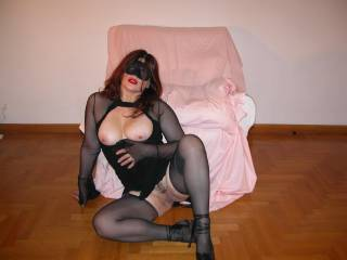 hmm love the blind fold.. and the fact your on the floor at just the right height to take my HARD cock!!!