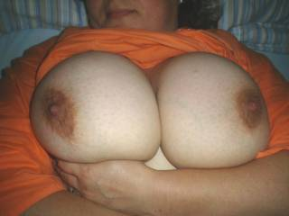 Please...cum here, do you like it? I\'m waiting tribute over them...