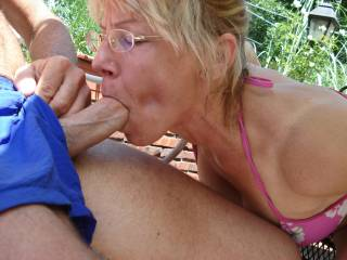 OMG!!!! can just emagin how it would feel with Di,s mouth wrapped my cock bobbing her head up and down wouldn,t be to long befor i would have to tast her pussy she would be dripping mmm