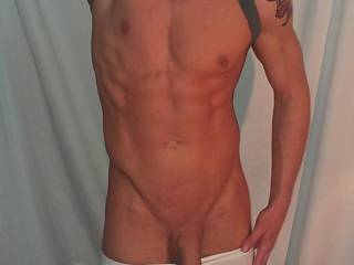 Hot body and a big cock!!! Yummy