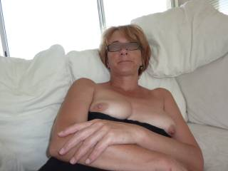 I love your photos, six wonderful one, a lot sexy, your sublime body thanks for the pleasure that mine you have given,  You have a lovely body, with yours breasts and pussy looking so touchable! I watching your photos.  I hope to see to you thanks thanks still luciano