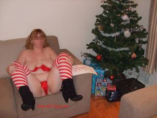 Mmmm love to pound you good and hard and then spray my spunk all over you for a real white xmas ;)