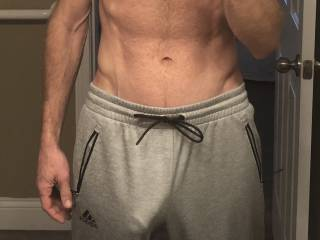 Do any of you ladies out there like guys in grey sweatpants?  I heard that was a thing