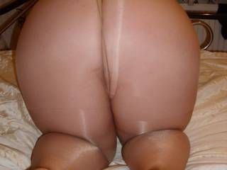 Would love to join you in pantyhose and  cum all over you
