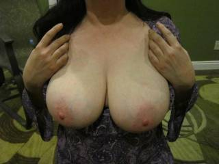 Would love to be your friend and take a lot of photos of your beautiful tits and the rest of your hot sexy body. Then fuck and suck your pussy as I play with those tits