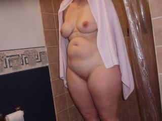 Great body, love her saggy milkers, her chubby belly, big thighs and her smooth fat pussy....definatley worth a fuck !
