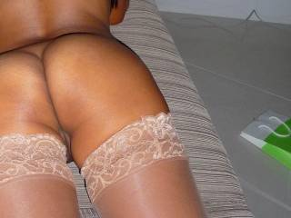 Yr Fiance is a lucky man, u r a very sexy babe and u look so fuckable in those stockings, lovely!!