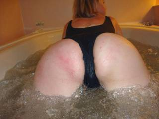 ill love to put my face in that ass and lick it and suck on that pussy.then fuck ur mouth and cum all over ur face