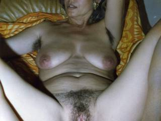 wants show off my hairy cunt