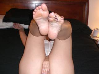 Love my wife's sexy soles and watching her play