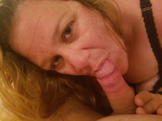 Woke my sexy man up with me sucking on his cock......Perfect alarm clock don\'t u think?
