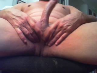 I felt so fucking horny watching Zoig videos and I decided to wank my cock. Do you want to join me???