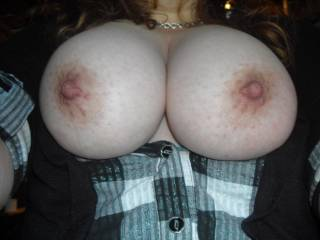 would u like to cum on these?? would u like to slide ur cock here?? i like big hard throbbing cocks between my tits