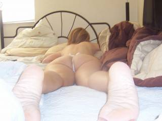 Very sexy ass and love your sexy feet Mmm love to get a footjob from them