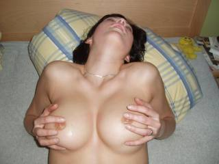 hm...girl on the other photo have small tits...this tits other of your girl?