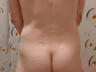 How does my rear view look? Shall I bend over?