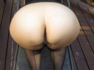 F'me so love your Ass!! Wanna bury my face tongue and cock in it!! stroking my cock over it now!!