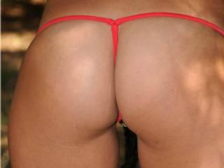 mmmmmmmmmm i love your gorgeous ass in g-strings please post more