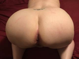 Butt slut\'s ass looks a little used from her road trip