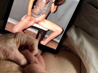 candicerose4fun doesn\'t post a photo often, but when she does I get super horny.