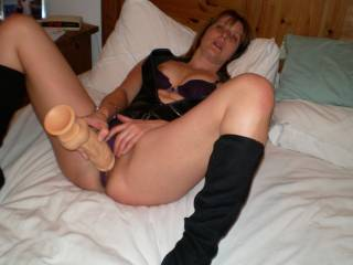 Nice pic and pose. Love a lady that uses toys. HOT to see more pics of you playing with your hot pussy.