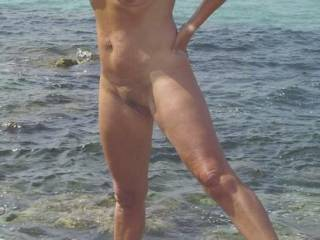 wonderfull pic and such perfect and sensual body. a real dream. I would like to be with you on this beach. I have never practice nudism but for you, I want to be naked. i hope you will like to see me naked even if not too big cock