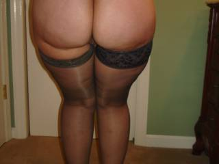 mmm wow that is a big butt. I'd love to rest my big cock on it :P