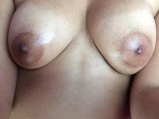 I oiled up my tits for y'all, enjoy ;)