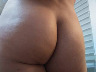 booty in your  face 2