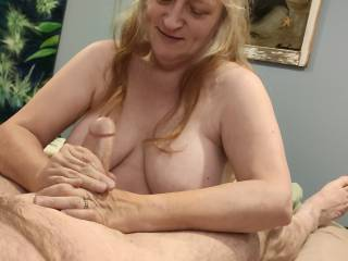 Hubby says that I do such a good job with his cock that I should help another man with his swollen manhood. I do like helping others out. Want this woman to be with your cock for her husband\'s desires? See my video to see if you like my special attention.