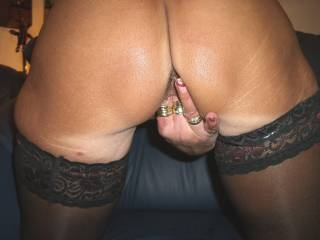 Mmmmm let my tongue do the work. I bet it tastes good too