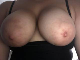my tank top is so flimsy & my tits are so big that when i leaned over to grap my phone, my tits fell out of my top