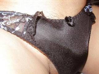 Would love to put my hand inside your panties.