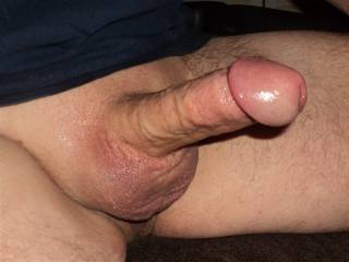 Very slippery ! Love that fat cock head and smooth shave