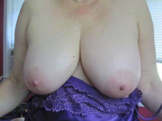 Dam she has a nice big pair of tits I love to get my hard cum filled cock between them Mmmmmmmm