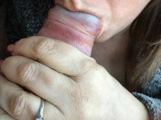 sucking my cock whilst her cunt is full of buzzing wand....