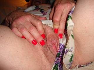 Yes its just right for me to suck itto my mouth and fingures in you pussy and made you cum as many times you wish