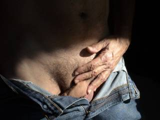 Mmmm I really love a man in jeans with his cock begging to be free and have some fun
