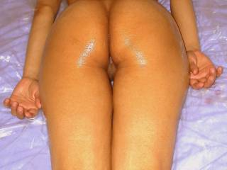 I love his oily full-body massages. I lie and relax, while he swirls naked all over me. He often can\'t stop himself cumming ... and cum-and-oil is great for my skin! Who else would like a slippery ride?