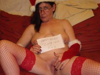 Ohh what a present that would be to find under my tree... love to get my tongue on you sexy lady xxx