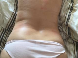over view !!!!! like to cum all over my back and feel my ridge ??