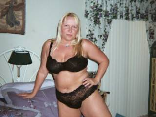 P.A.W.G. DONNA - Had a nice 1st date w/ Donna with alot of making out in my car.. so to keep me coming back for me see sent this lovely pic.