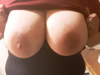 My wife flashing her beautiful tits for all to see